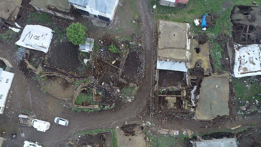 Bingöl'deki depremin boyutu gün ağarınca ortaya çıktı - 9