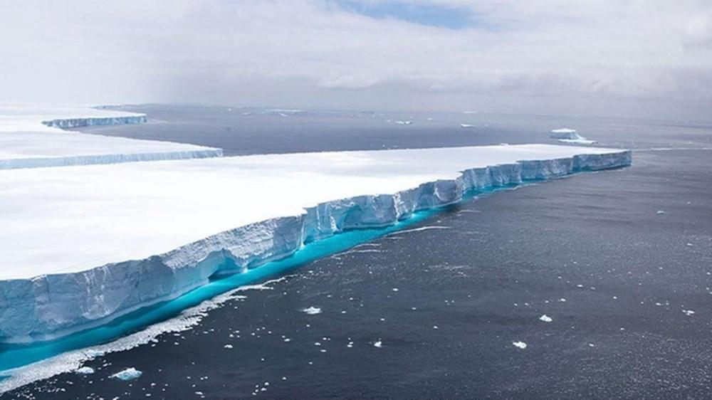 Antartika'da dev buz kütlesi buz sahanlığından koptu - 6