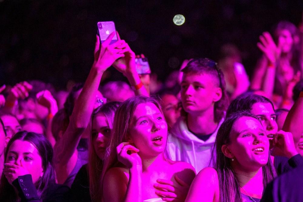 Dünya karantinadayken Yeni Zelanda'da 50 bin kişilik konser - 11