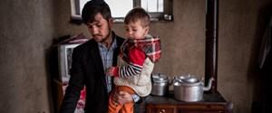 Sayed-Assadullah-ve-oğlu-Donald-Trump-Kabuldaki-kiralık-evlerinde.-768x512.jpg