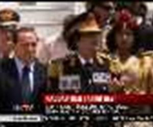 Kaddafi'den tarihi gezi