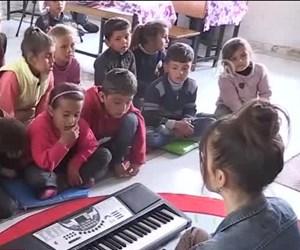 Çocukların müzik perisi