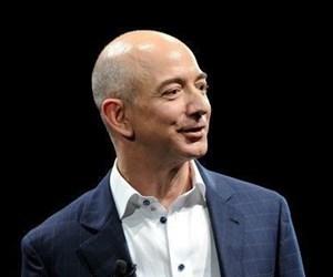 Amazonun Kurucusu Jeff Bezos Evsizlere Ve Eitime 2 Mil