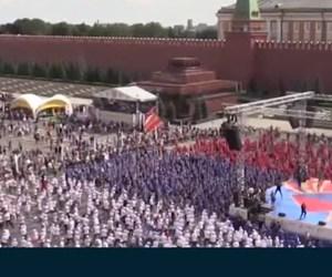 Rusya'da rekor girişimi...(4 bin 273 kişi aynı anda boks antremanı yaptı)