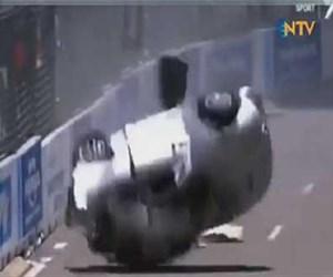 9 takla atan araçtan kurtuldu