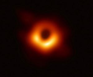 2019-04-10T000000Z_1307309701_RC1E1DF4E410_RTRMADP_3_SPACE-EXPLORATION-BLACKHOLE.JPG
