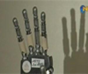 Robot El'de devrim