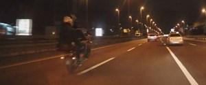 motosikletin-plakasini-soktuler-ve...-_6943_dhaphoto2.jpg