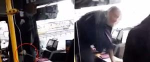 istanbulda-yolculara-bicak-ceken-otobus-soforugorevden-men-edildi,eKW-isR8skKY_7s_eYzOMw