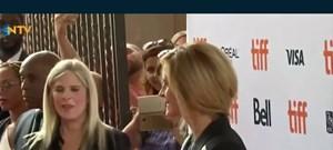 Julia Roberts ilk dizisini çekti (2 Kasım'da internetten yayınlanacak)