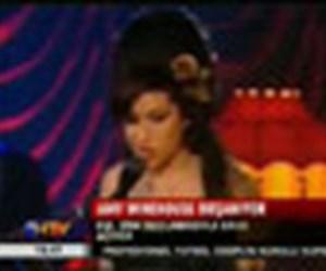 Winehouse boşanıyor