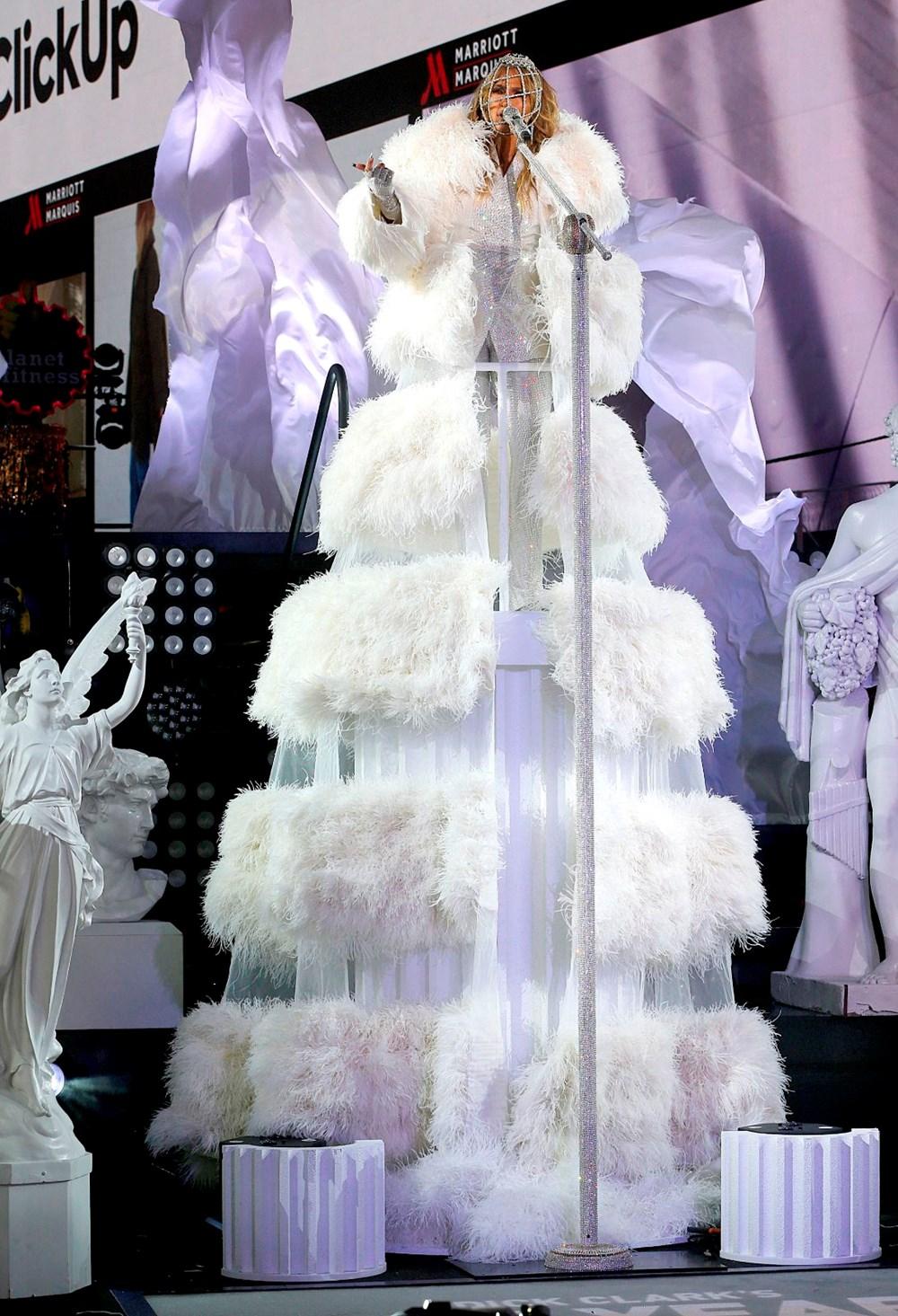 Yeni yıl kutlamasına Jennifer Lopez damgası - 2