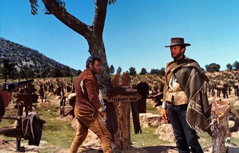 Eli Wallach ileİyi, Kötü ve Çirkin setinde olanClint Eastwood
