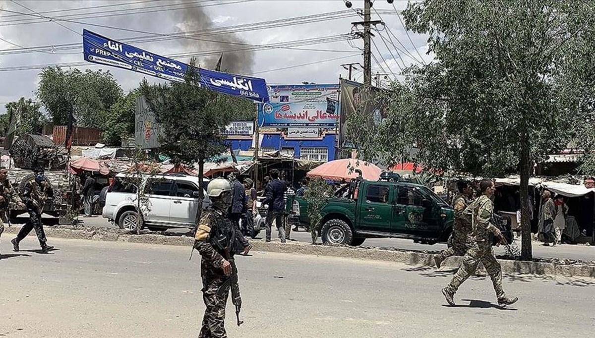 Afganistan'da camiye bombalı saldırı: 12 ölü