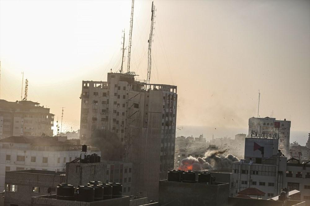 İsrail, Gazze'de sivillerin bulunduğu 14 katlı binayı vurdu - 14