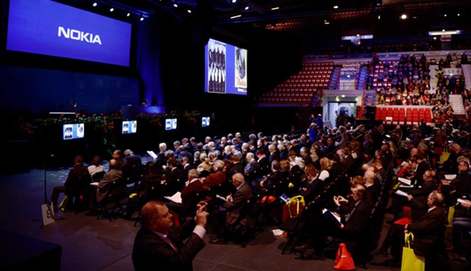 Nokia toplantısında şirketin toplam yüzde 45 hissesine sahip hissedarlar satışı onayladı.