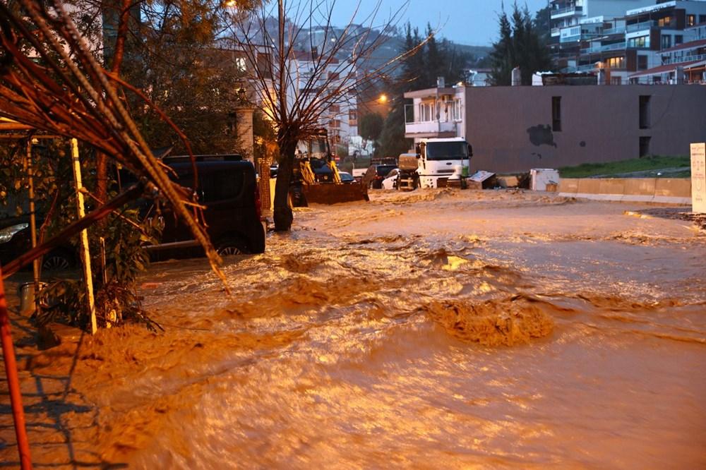 İzmir'i sel vurdu: 2 can kaybı - 14