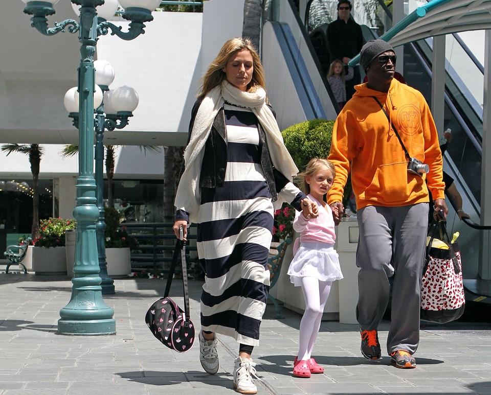 Heidi Klum, Leni Samuel ve Seal'in 2011'de alışveriş yaparken