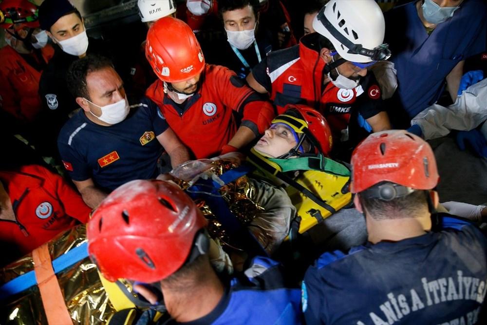 İzmir'de deprem sonrası enkaz altındakiler için zamana karşı yarış (58 saat sonra kurtarıldı) - 15