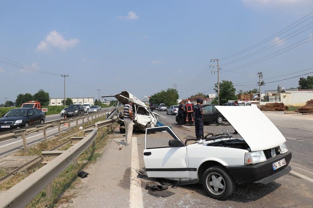 E-5'teki kazada otomobil ikiye bölündü - 3