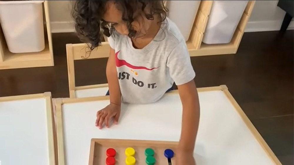 3 yaşında dünyanın en küçük üstün zekalısı oldu: İspanyolca öğreniyor, tenis oynuyor - 7