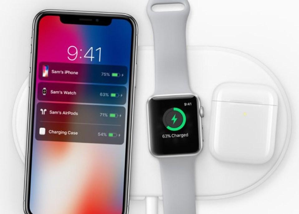 İki telefon da hızlı şaj ve kablosuz şarj özelliklerine sahip. Ancak bu özellikler kullanmak için gerekli aksesuarları satın almanız gerekiyor.