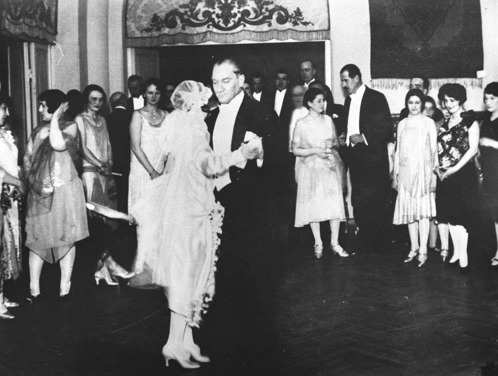 Mustafa Kemal Atatürk'ün ebediyete intikalinin 82. yılı (10 Kasım 1938) - 25