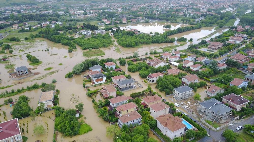 İstanbul'da sağanak yağış: Evler su altında kaldı - 4
