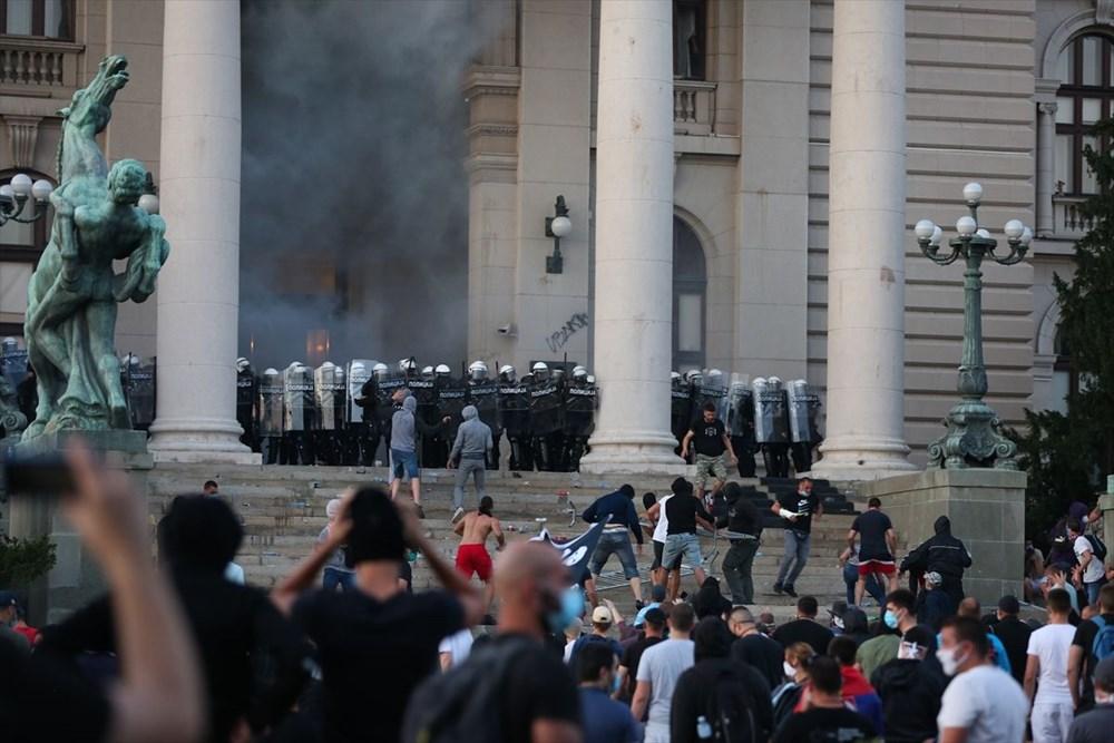 Sırbistan'da Covid-19 tedbirlerine karşı gösteriler sürüyor - 13