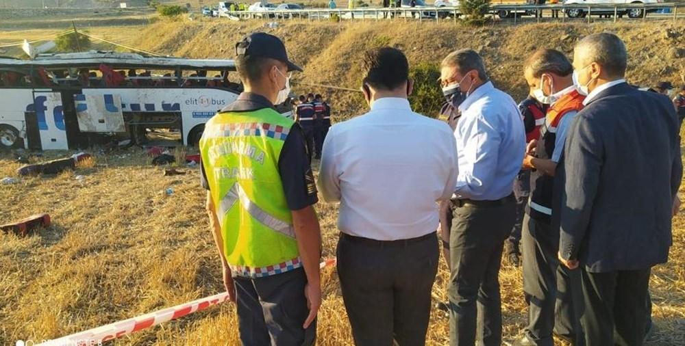 Balıkesir'de yolcu otobüsü devrildi: 15 kişi hayatını kaybetti - 6