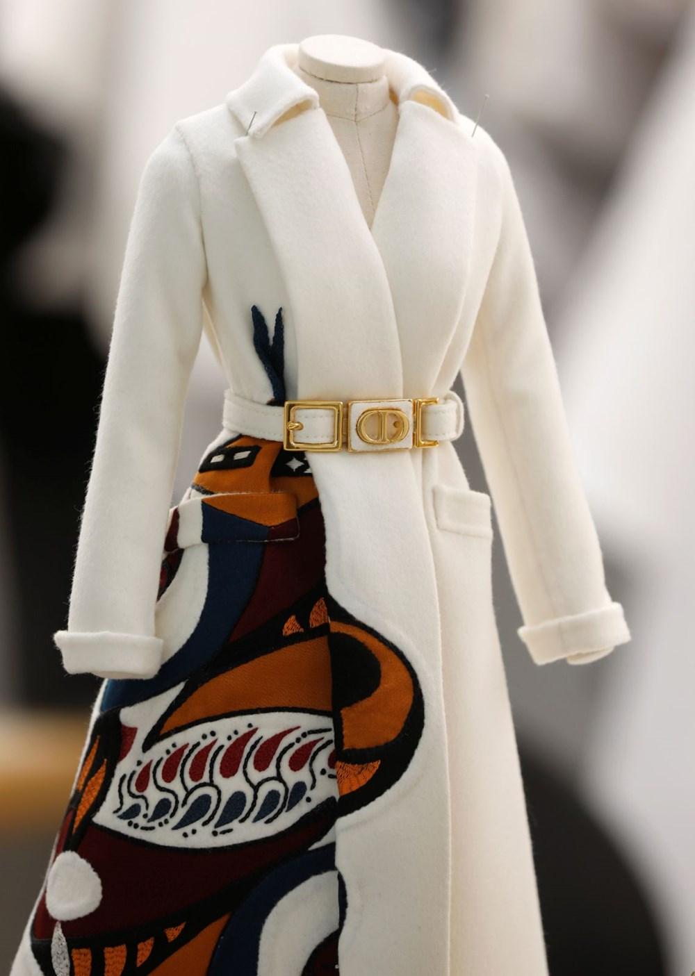 Dior'dan Dijital Moda Haftası için minyatür elbise tasarımları - 2