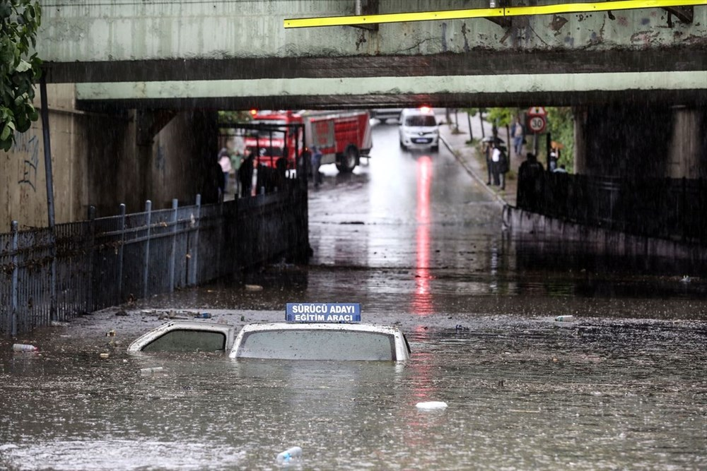 İstanbul'da şiddetli yağmur - 7