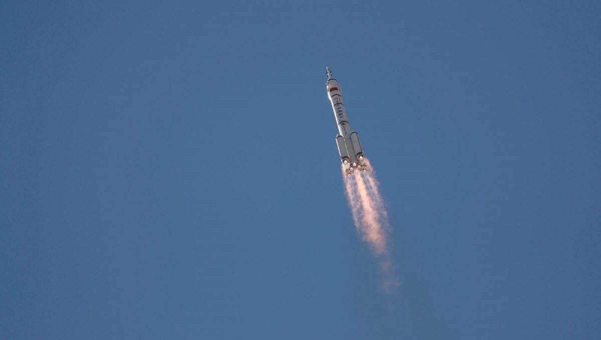 Çin uzaya 3 taykonot gönderdi