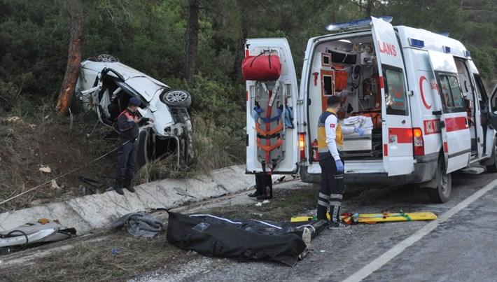 Aydın'da feci kaza: 2 ölü, 1 yaralı