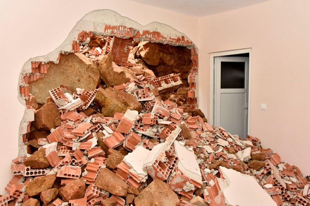 Dağdan kopan kayalar evin içine doldu - 5