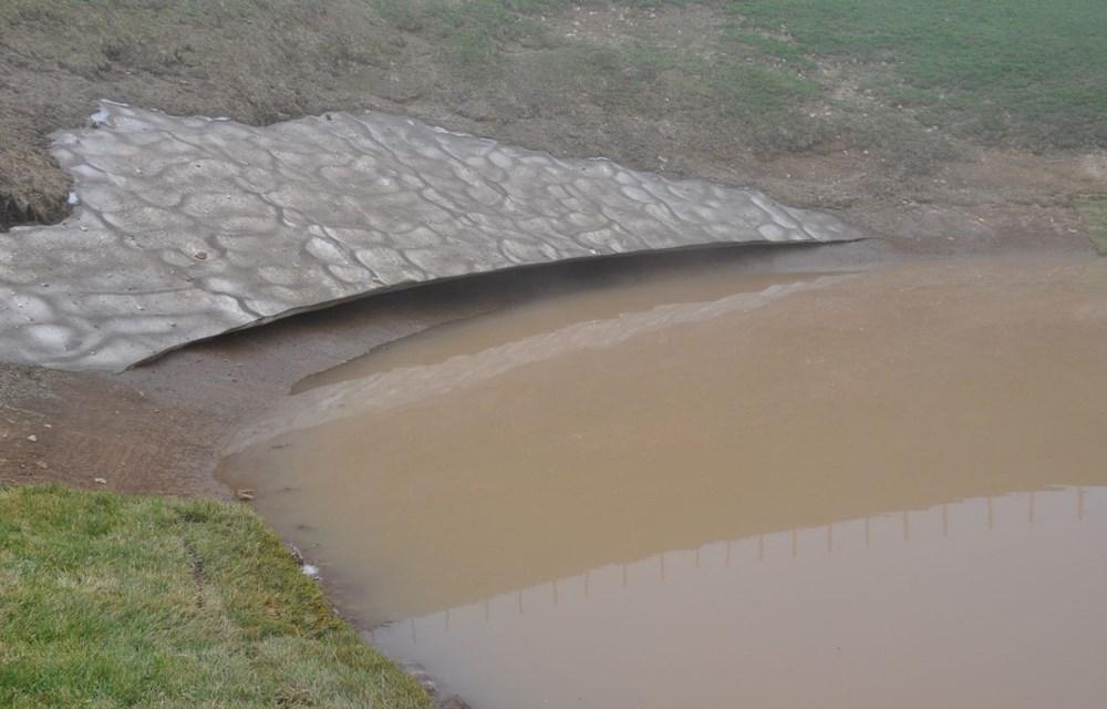 Balçıkla kaplanan Dipsiz Göl, tel örgüyle çevrildi - 2