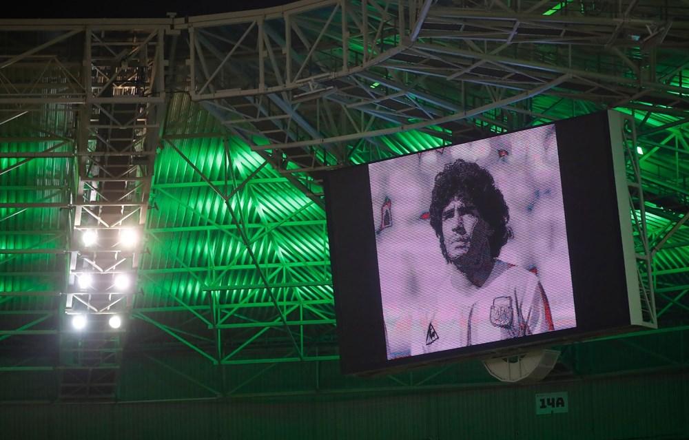 Futbol dünyasından Armando Maradona geçti - 4
