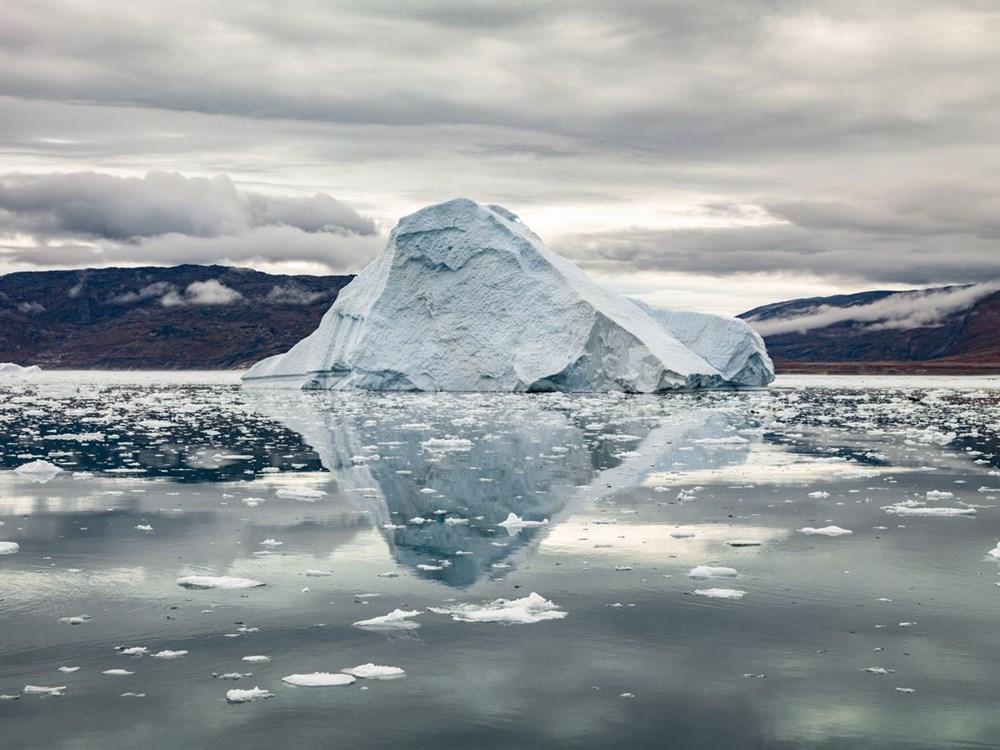 Grönland hızla eriyor: Son 2 günde 17 milyar ton buzul yok oldu - 2
