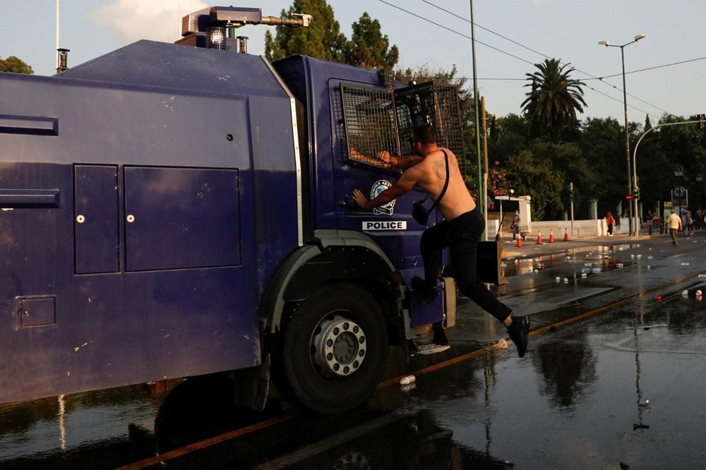 Atina'da aşı zorunluluğuna karşı düzenlenen protesto çatışmaya dönüştü: En az 25 gözaltı - 10