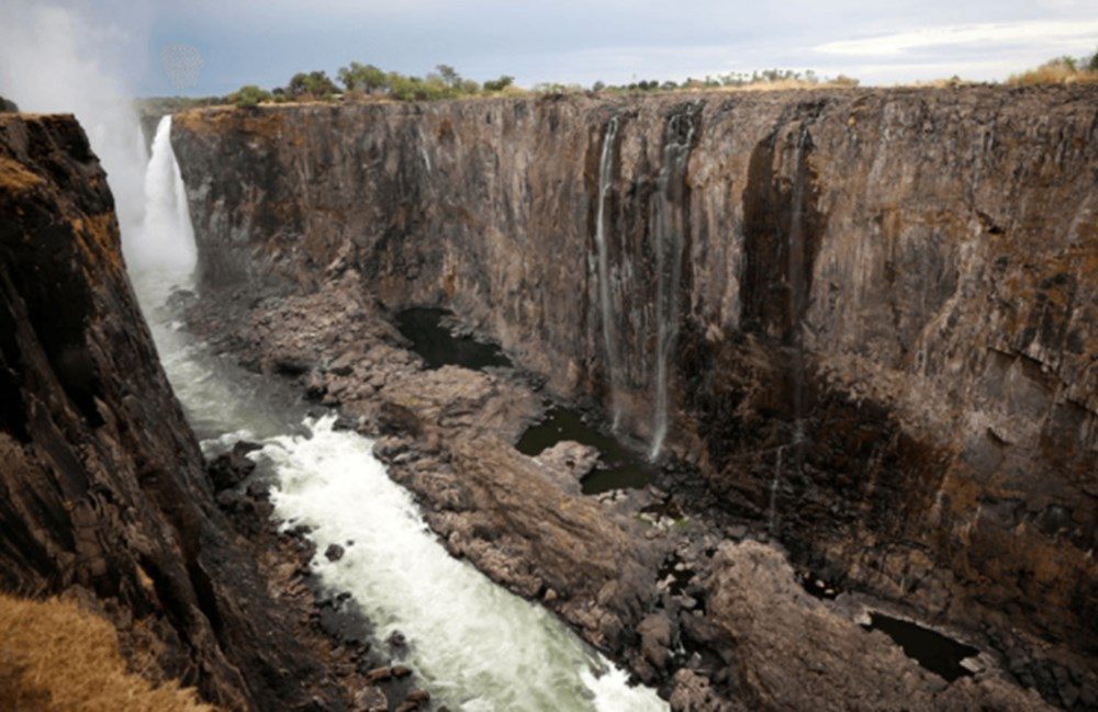 Küresel ısınma, dünyanın doğal harikalarından biri olan Victoria Şelalelerini nasıl yok etti? - 2