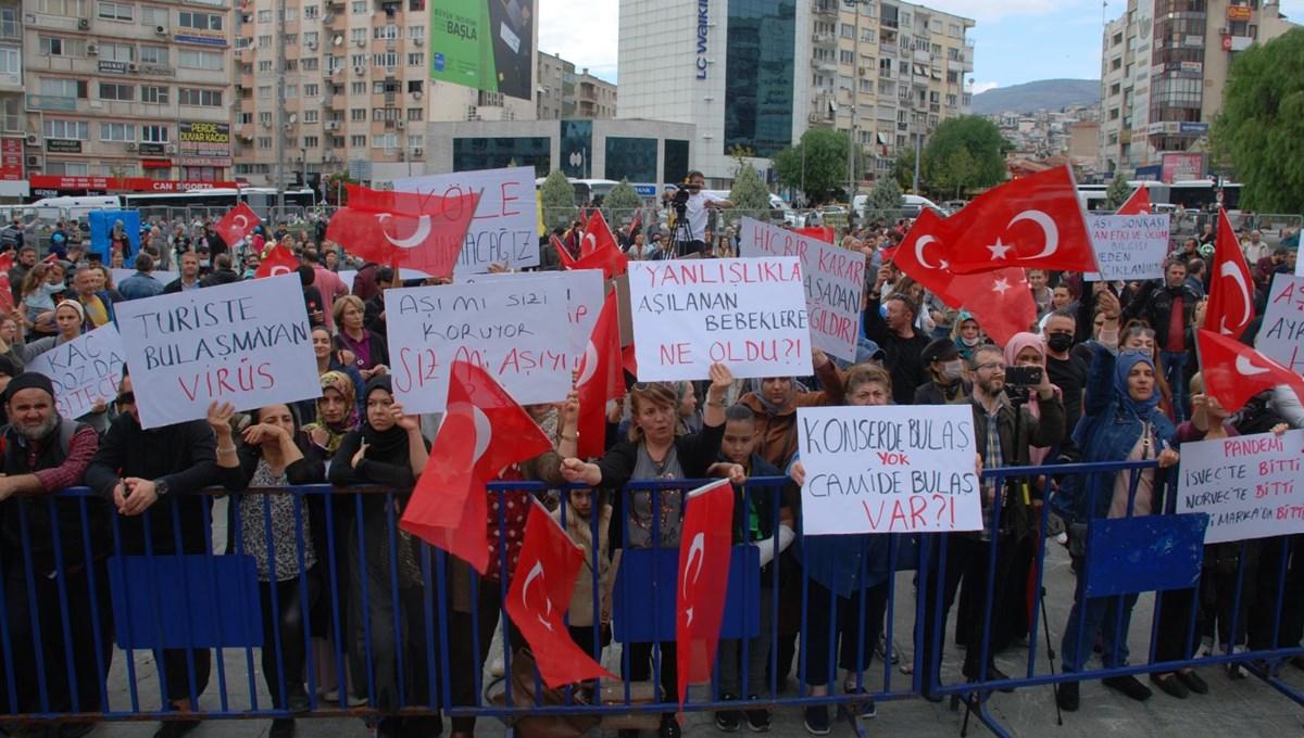 Covid-19 aşısı karşıtları, İzmir'de miting düzenledi