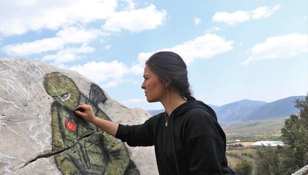 Yörük kızı Büşra'nın eserleri doğayı süslüyor