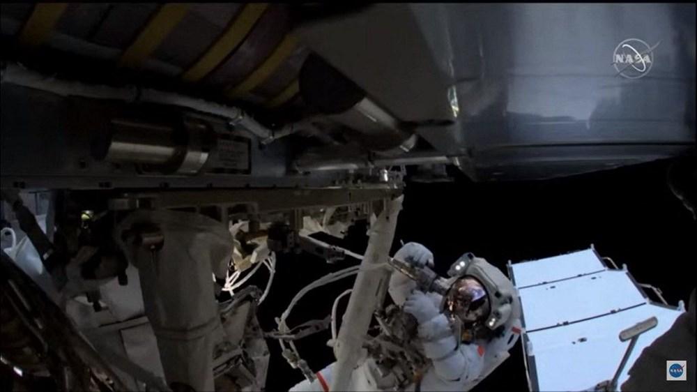 Astronotların 6 saatlik uzay yürüyüşü tamamlandı: Nefes kesen kareler - 6