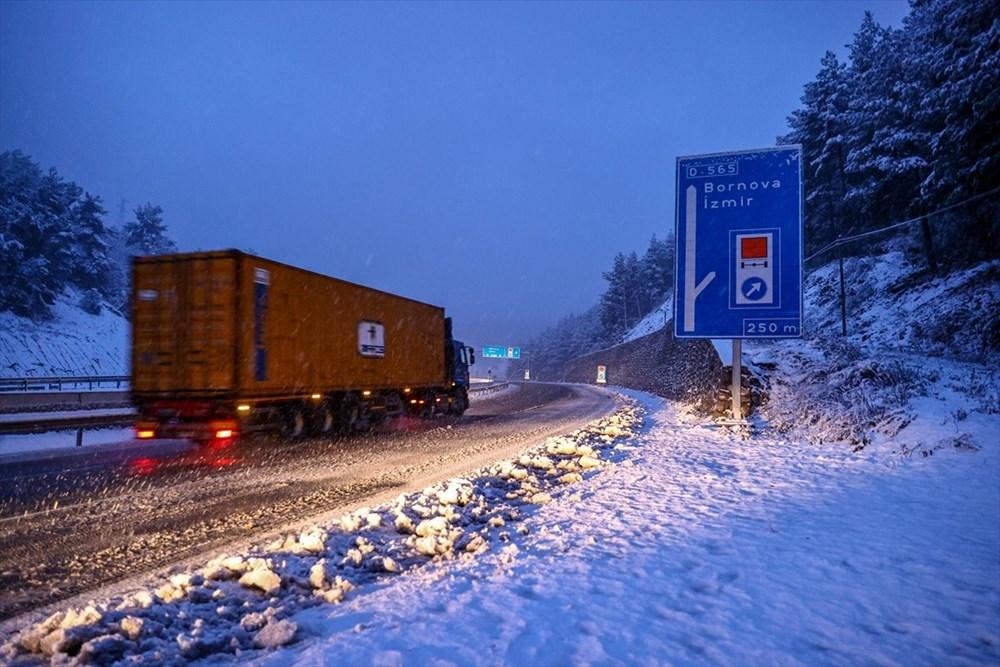 Yurtta kar yağışı (İzmir'in yüksek kesimlerinde kar yağışı etkili oluyor) - 1