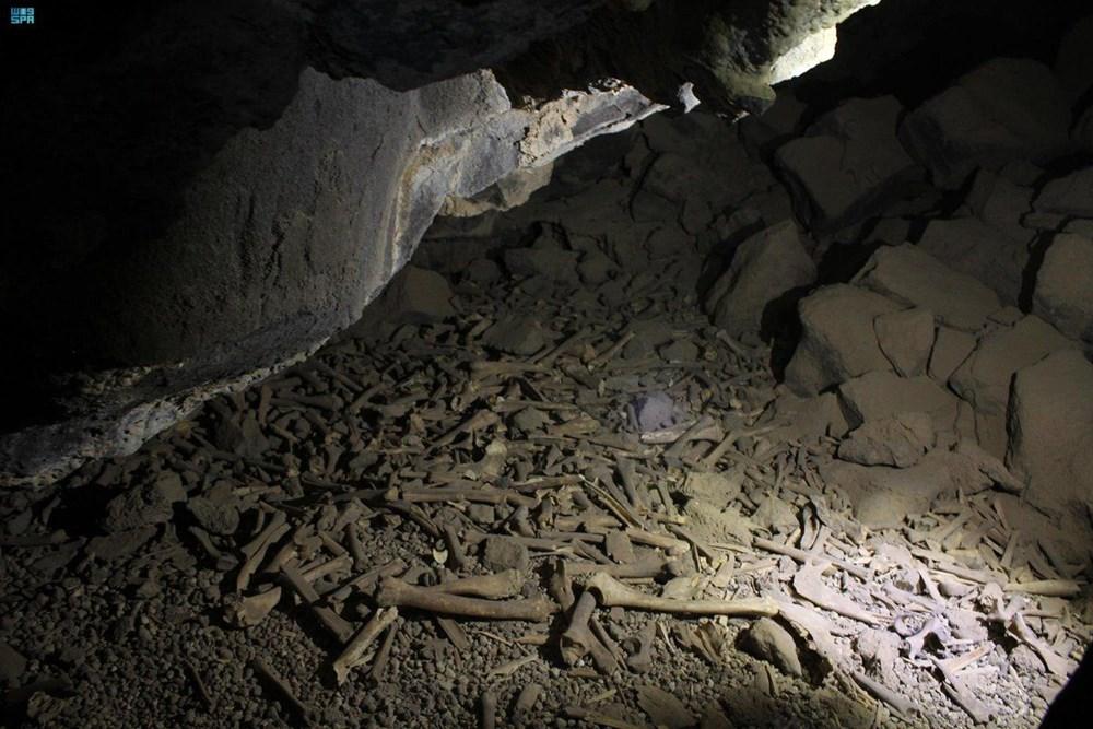 Araştırmacılar yıllarca korkudan giremedi: Mağaradaki on binlerce insan ve hayvan kemiğinin gizemi çözüldü - 2
