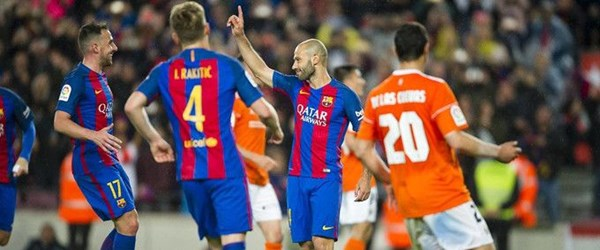 Barcelona takımdan ayrılan futbolcusu için tören düzenleyecek