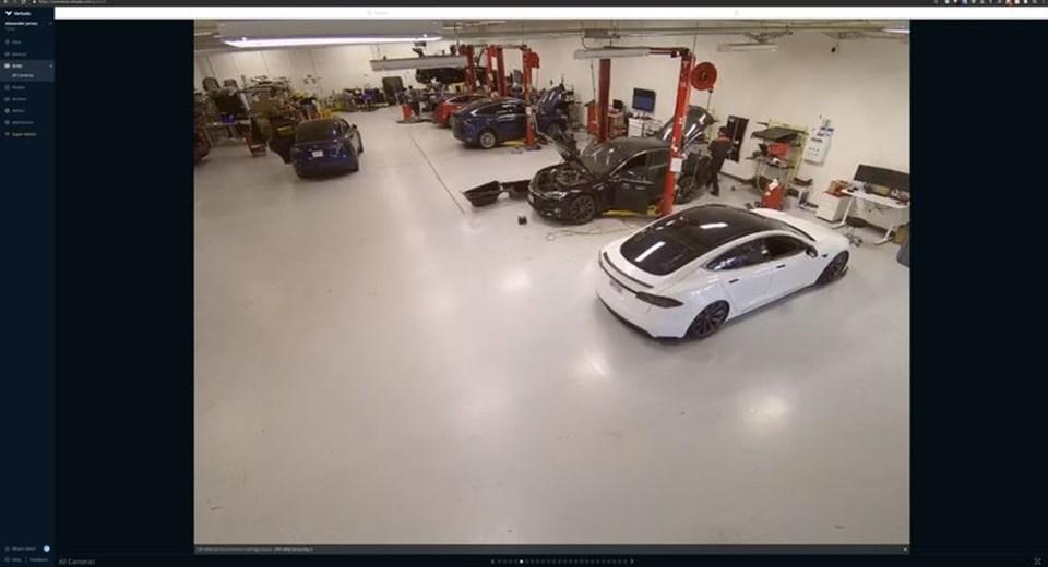 Tesla fabrikası (Görsel hack grubundan Tillie Kottmann tarafından paylaşıldı)