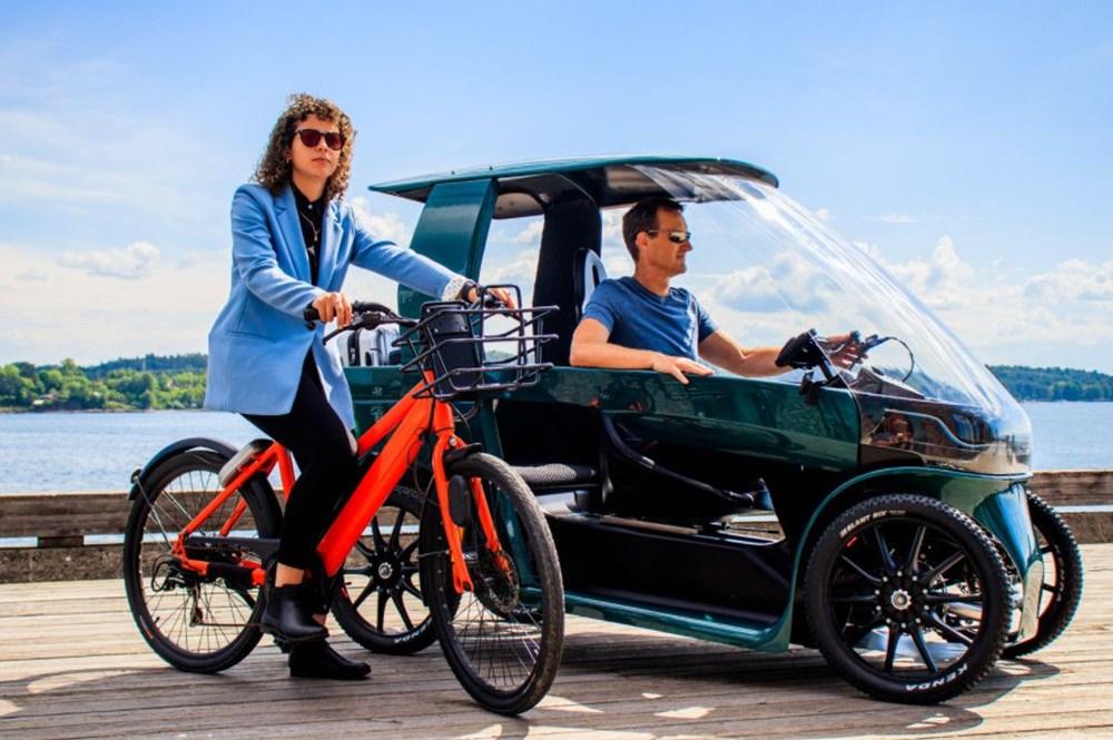 Konforlu seyahat için dört tekerli elektrikli bisiklet - 1