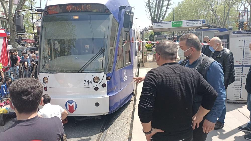 İstanbul'da bir kişi tramvayın altında kaldı - 6