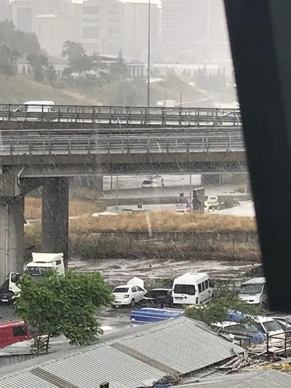 İstanbul'da şiddetli yağış ve dolu - 6
